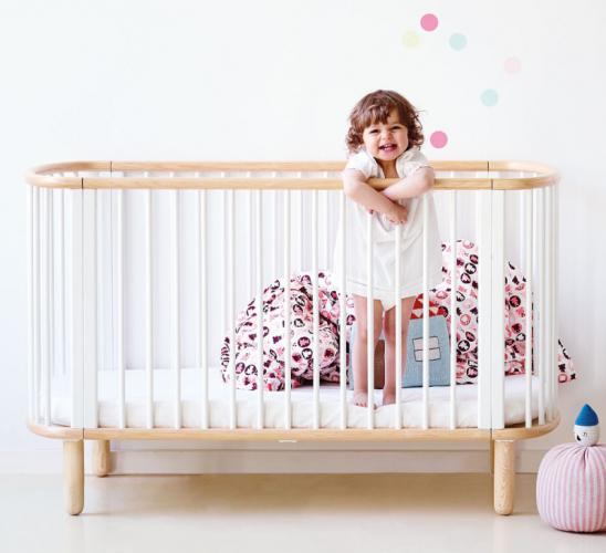 flexa baby babybett kinderbett aus massiver buche mit matratze wei oder buche. Black Bedroom Furniture Sets. Home Design Ideas